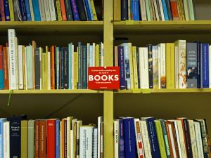 QLab_books_7366_800